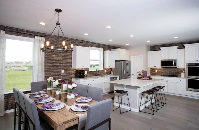 Shelby kitchen and breakfast area