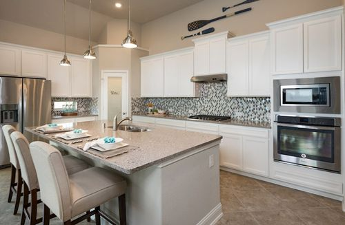 Kitchen-in-Cameron-at-Bluewater Lakes-in-Manvel