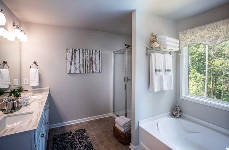 Interior:Burton Owners Bath