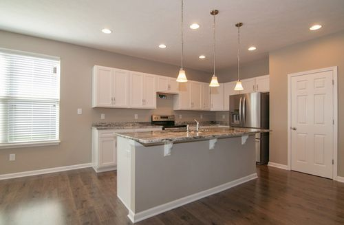 Kitchen-in-Hamilton-at-Summerland Park-in-Noblesville