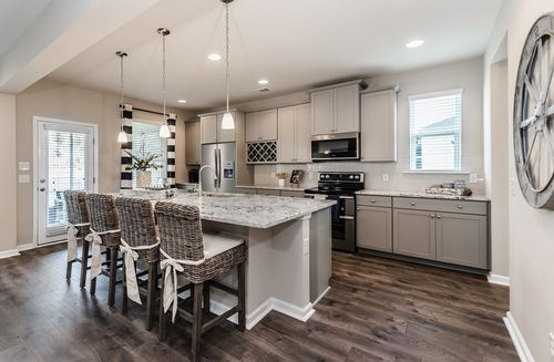Kitchen-in-Rushmore-at-Hunt Club-in-Pooler