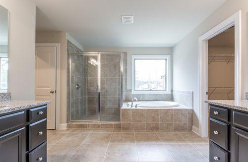 Bathroom-in-Callaway-at-Robinson Park-in-Marietta