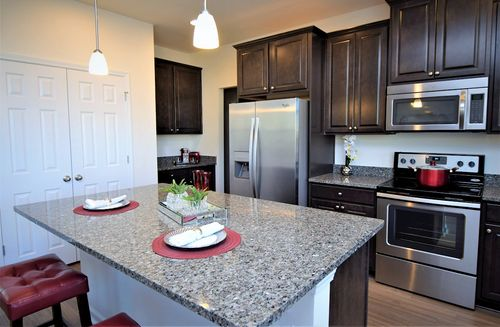 Kitchen-in-Lincoln-at-Hunt Club-in-Pooler