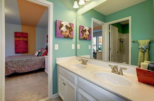 Bathroom-in-Oxford-at-Summerfield-in-Fredericksburg