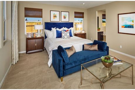 Bedroom-in-Shasta-at-Orchard Glen-in-Plumas Lake