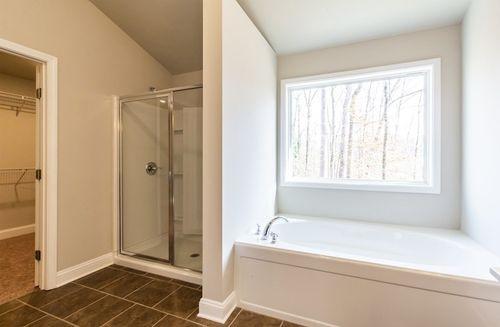 Bathroom-in-Bradshaw-at-Mylestone-in-Atlanta