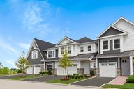 Country Pointe Plainview by Beechwood Homes in Nassau-Suffolk New York