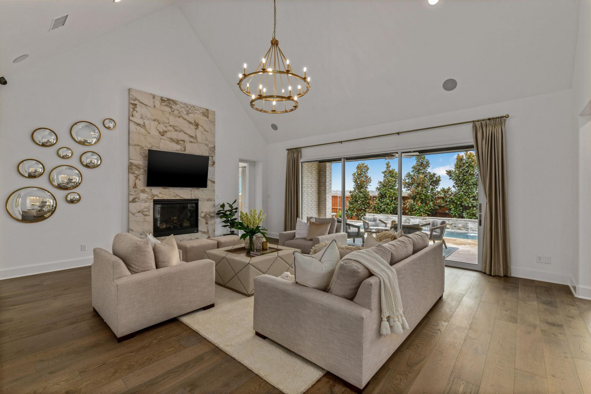 'Castle Hills Northpointe 80s' by Belclaire Homes in Dallas