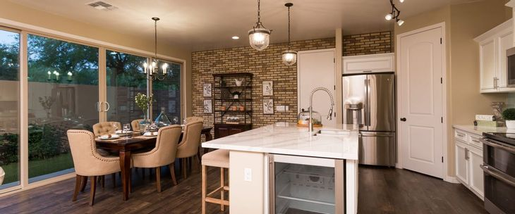 Model Home Kitchen :Bellago Homes