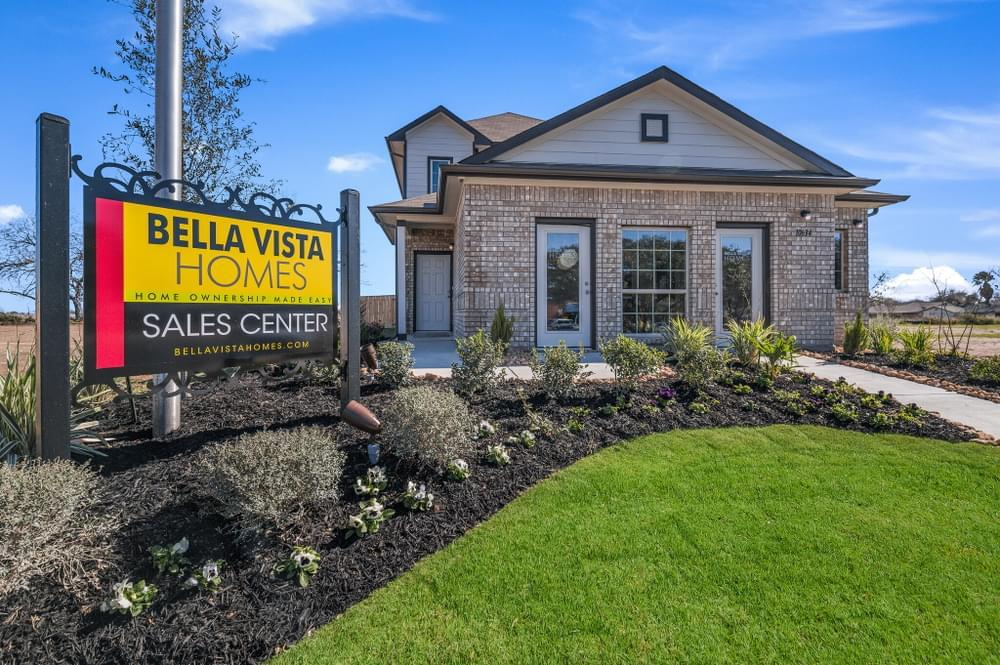 'Green Lake Meadow' by Bella Vista Homes in San Antonio