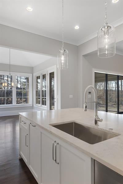 Wet-Bar-in-The Kensington I-at-The Manor Golf and Country Club-in-Alpharetta