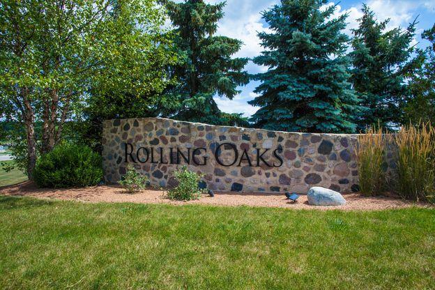 Rolling Oaks Entrance