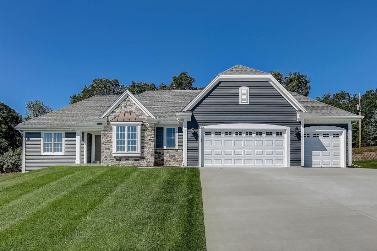 Exterior featured in The Peyton, Plan 1880 By Bielinski Homes, Inc. in Milwaukee-Waukesha, WI