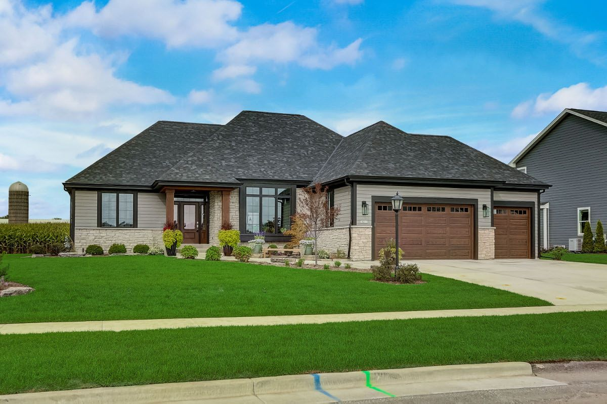 Exterior featured in The Clemont, Plan 2117 By Bielinski Homes, Inc. in Ozaukee-Sheboygan, WI