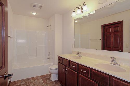 Bathroom-in-The Ross, Plan 1654-at-Hunter Oaks-in-Watertown