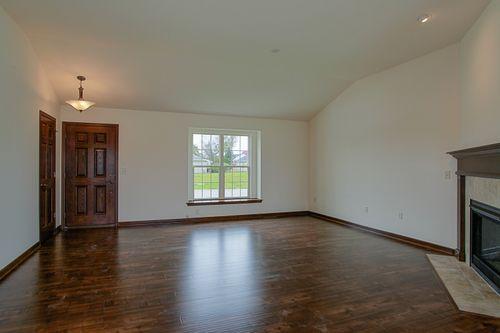 Empty-in-The Ross, Plan 1654-at-Hunter Oaks-in-Watertown