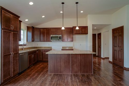 Kitchen-in-The Ross, Plan 1654-at-Hunter Oaks-in-Watertown