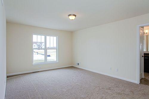 Empty-in-The Preston, Plan 1800-at-Hunter Oaks-in-Watertown