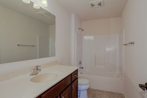 Bathroom-in-The Ross, Plan 1623-at-Hunter Oaks-in-Watertown