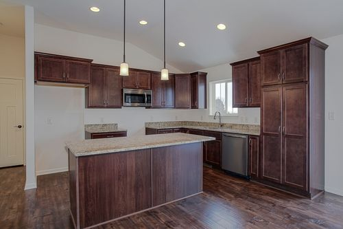 Kitchen-in-The Ross, Plan 1623-at-Hunter Oaks-in-Watertown