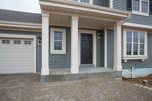 Front-Porch-in-The Brayden, Plan 1756-at-Hunter Oaks-in-Watertown