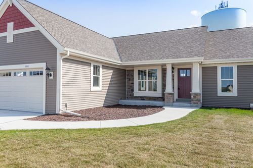 Rear-Design-in-The Independence, Plan 1665-at-Hunter Oaks-in-Watertown