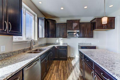 Kitchen-in-The Hallmark, Plan 2200-at-Hunter Oaks-in-Watertown