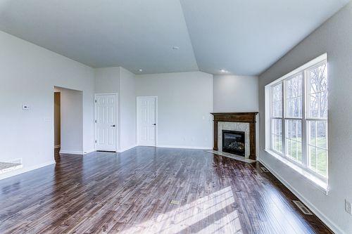 Empty-in-The Lauren, Plan 1432-at-Hunter Oaks-in-Watertown