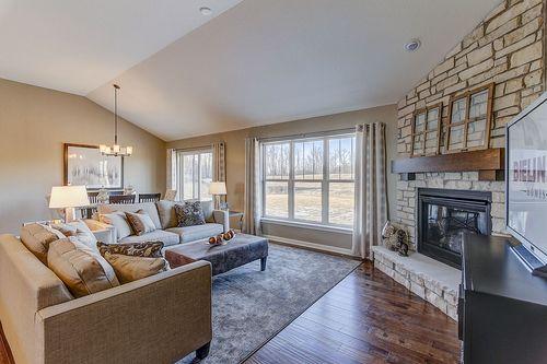 Greatroom-in-The Shorewood, Plan 1800-at-Hunter Oaks-in-Watertown