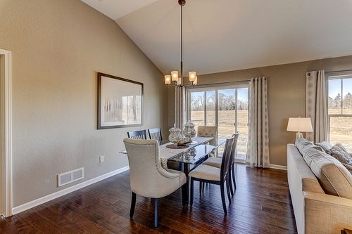 Dining-in-The Shorewood, Plan 1800-at-Hunter Oaks-in-Watertown