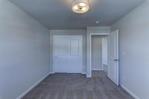 Foyer-in-The Arabella, Plan 1909-at-Hunter Oaks-in-Watertown
