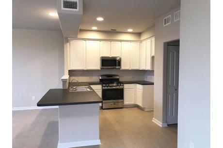Kitchen-in-The Magnolia-at-Plum Creek-in-Kyle