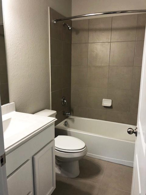 Bathroom-in-The Magnolia-at-Plum Creek-in-Kyle