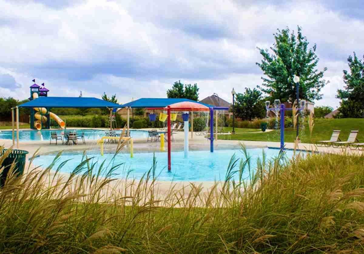 Watersbend Community Pool