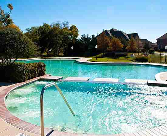 Country Lakes Community Pool