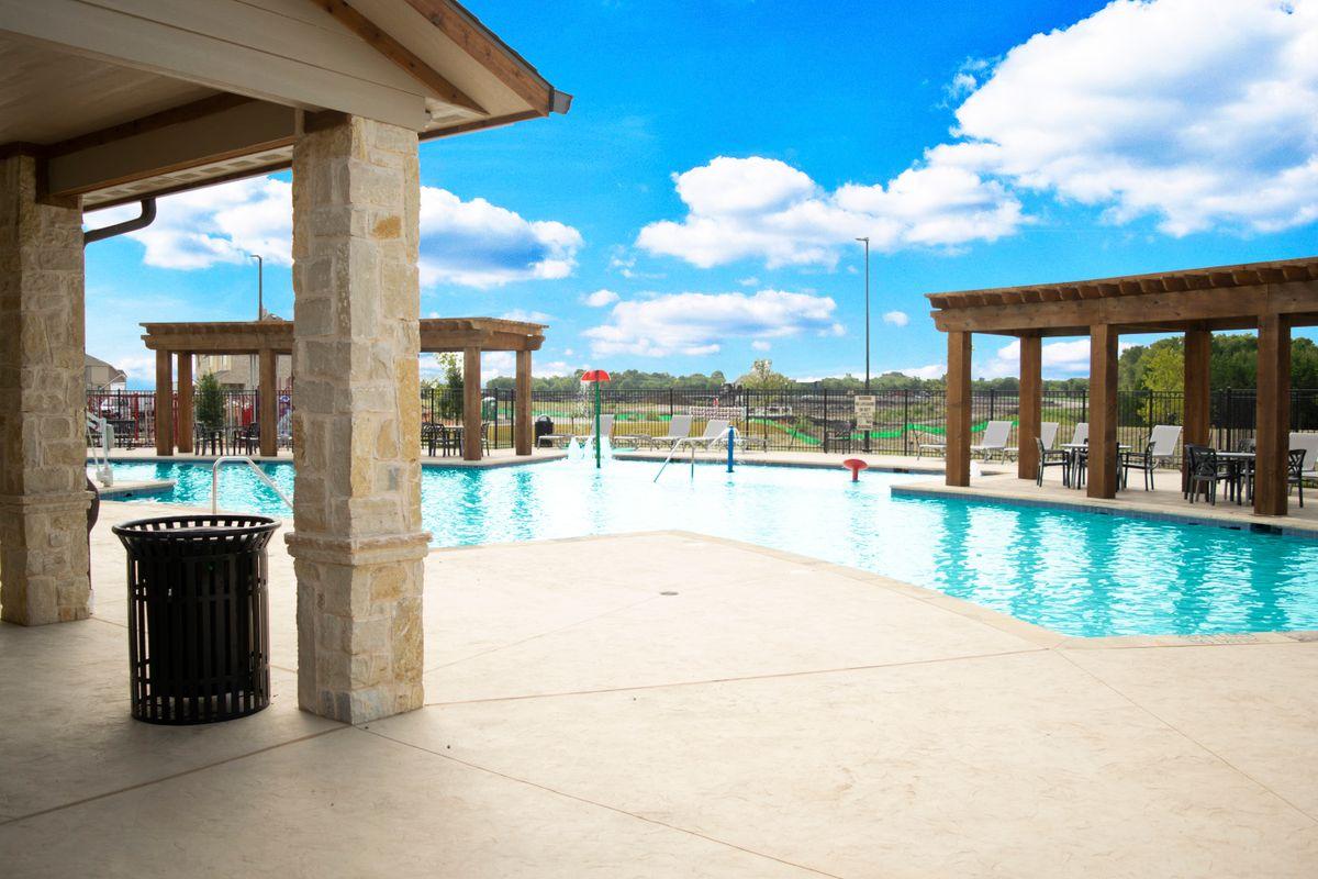 Ridge Ranch Community Pool