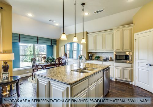 Kitchen-in-Carolina-at-Heartland-in-Forney