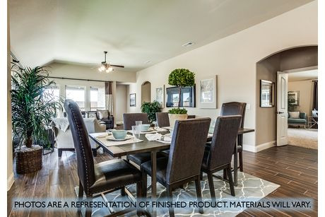Dining-in-Cypress II-at-Plantation & Oak Valley-in-Burleson