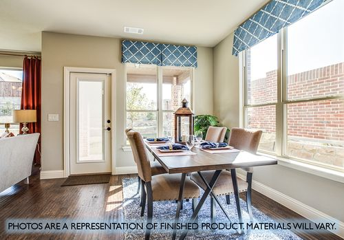 Dining-in-Dewberry III-at-Hagan Hill-in-Mesquite