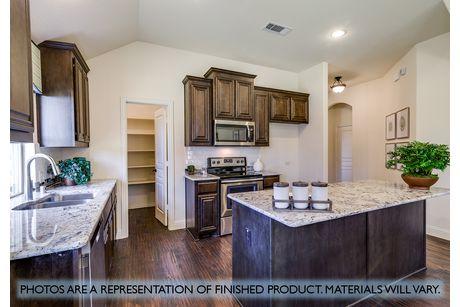 Kitchen-in-Hawthorne-at-Garden Valley-in-Waxahachie