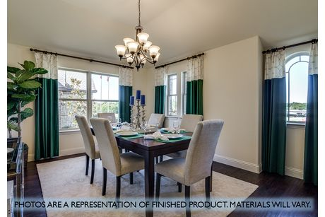 Dining-in-Hawthorne II-at-Plantation & Oak Valley-in-Burleson