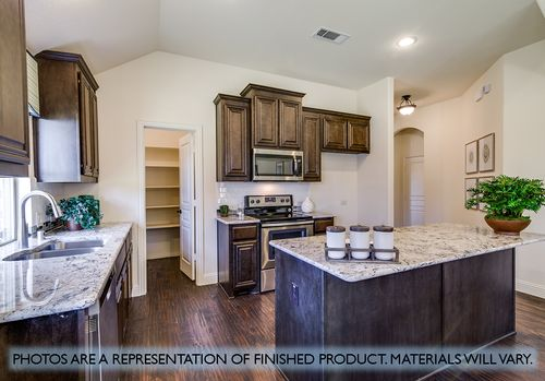 Kitchen-in-Hawthorne II-at-North Grove-in-Waxahachie