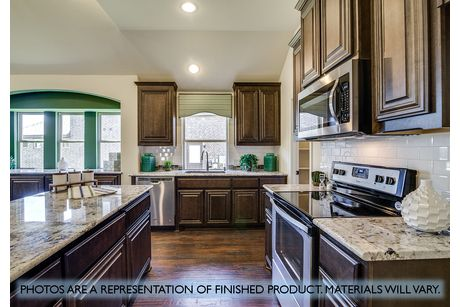 Kitchen-in-Hawthorne II-at-Stone River-in-Royse City