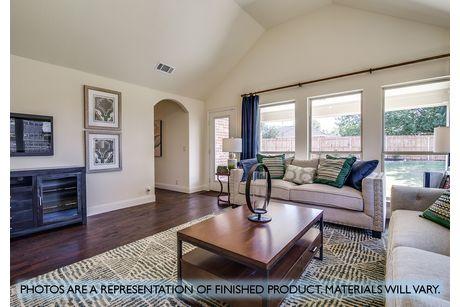 Greatroom-in-Hawthorne II-at-Plantation & Oak Valley-in-Burleson