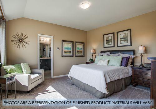 Bedroom-in-Willow-at-ArrowBrooke-in-Aubrey