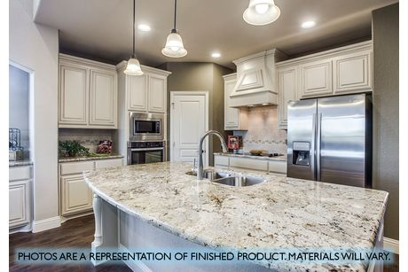 Kitchen-in-Wisteria-at-Stone River-in-Royse City