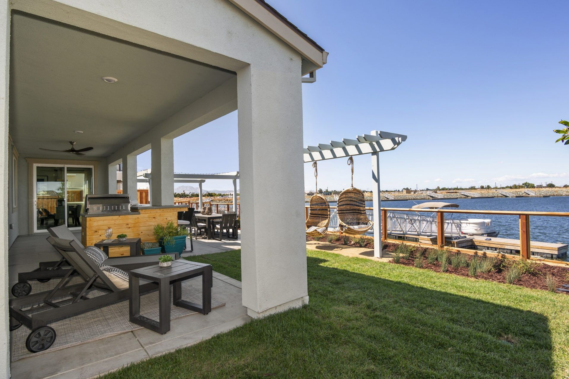Exterior featured in the Cyan By Blue Mountain Communities in Oakland-Alameda, CA