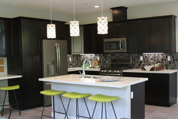 Kitchen:Kitchen w/Std. Quartz countertop