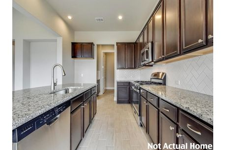 Kitchen-in-2182-at-Carmel-in-Pflugerville