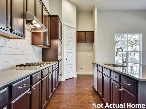 Kitchen-in-2300-at-Edgewater-in-Cedar Park